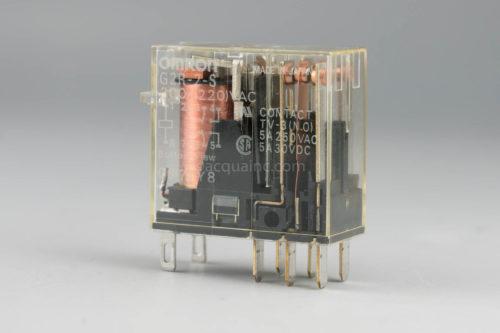 オムロン G2R-2-S  200/220V AC