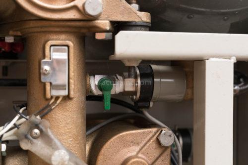 吐出し側ヒーターと圧力センサー